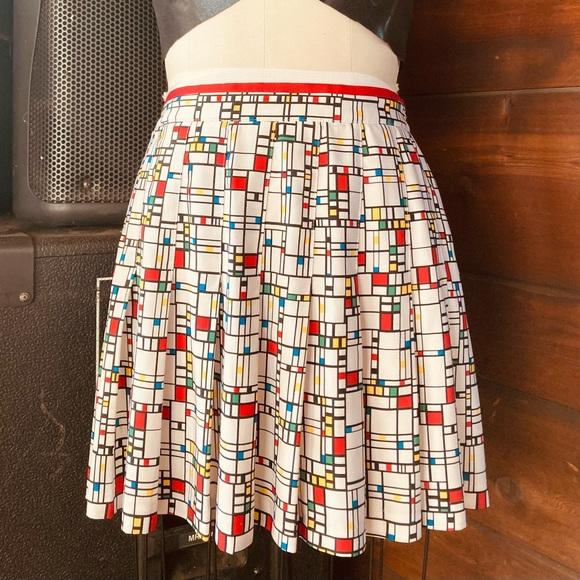 Cute vintage mini skirt!